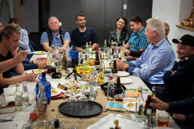 Foto zur Meldung: Unternehmer im Erzählsalon: Auftakt zu Veranstaltungsreihe in Senftenberg / Weitere neun Termine in OSL und EE