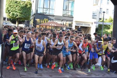Vorschaubild zur Meldung: Favoritensiege und ein deutscher Rekord bei der Deutschen Straßenlaufmeisterschaft über 10km