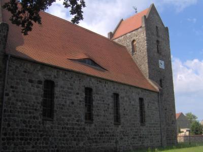 Foto zu Meldung: Altar in der Zinndorfer St.-Annen-Kirche wird restauriert