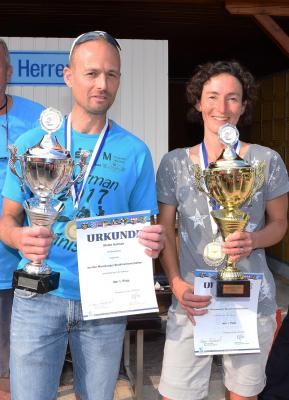 Stadtmeister Isarman Triathlon 2019 v. l. Stefan Hofmair und Petra Schmidhuber
