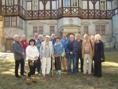 Vorschaubild zur Meldung: Die Landesgruppe Thüringen der Deutschen Burgenvereinigung besuchte das Mihlaer Rote Schloss