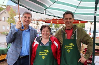 von links: Bürgermeister Dr. Oliver Hermann mit Kerstin Pelen und Thomas Schaub vom Wittenberger Interessenring I Foto: Martin Ferch