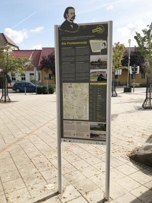 Foto zur Meldung: Stelen für Fontanes 200. Geburtstag werden am 1.10., 9 Uhr, eingeweiht