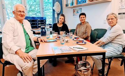 Chefarzt Burkhard Schult (v.l.), LuKISS-Koordinatorin Bianca Harusta, Nicole Ulbrich und Gabi Walter