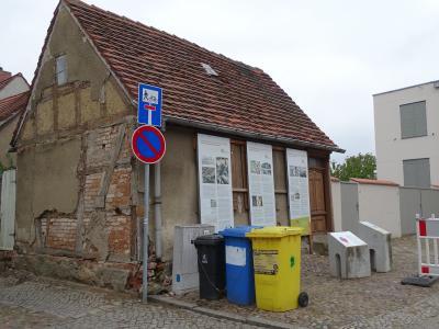 Sanierung des Kleinsthauses Johann-Sebastian-Bach-Straße 8 beginnt