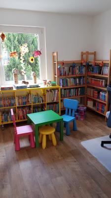 Vorschaubild zur Meldung: Die Bibliothek öffnet wieder!