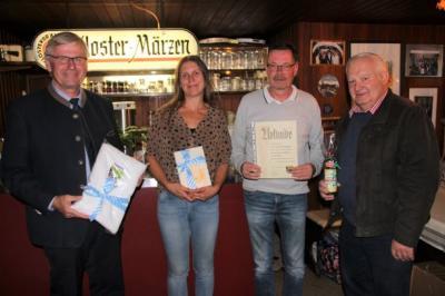 Florian Danckwardt mit Vermieter, Bürgermeister und Ernst Schultes