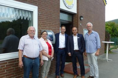 v.l.: Stellvertr. Ortsbürgermeister Manfred Sohns, Ute Sehring, Matthias Behr, Nils Hecht, Andreas Elsner