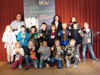 Foto zur Meldung: Schüler spenden für SOS-Kinderdorf Immenreuth