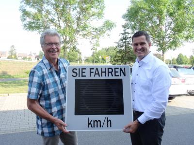 Foto zur Meldung: Ein Smiley für die Verkehrssicherheit in Nauheim