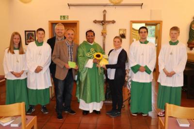 Foto zur Meldung: Pater Rockose wurde wieder verabschiedet