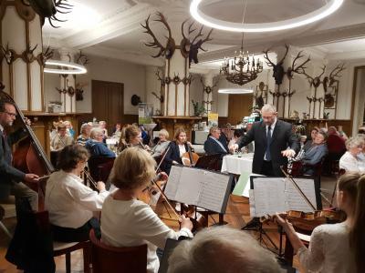 Foto zur Meldung: Bunt sind schon die Wälder - Herbstliedersingen mit Musica Mia