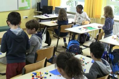 Vorschaubild zur Meldung: Klasse 3c - Mein Klassenzimmer aus Legosteinen - Oktober 2019