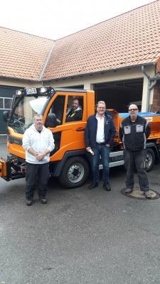 Vorschaubild zur Meldung: Neues Fahrzeug für den Bauhof des Zweckverbandes