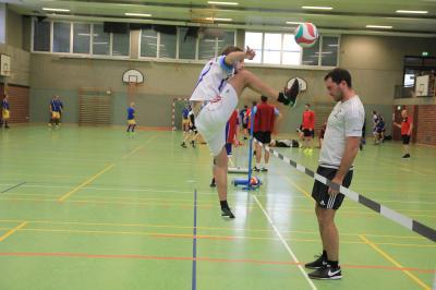 Auf dem Höhenflug: Die Zweite um Jakob Held (li.) konnte am ersten Spieltag alle Partien gewinnen.