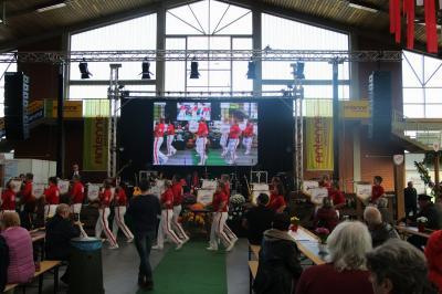 Foto zur Meldung: Traditionelles Schlachtefest mit Musik eröffnet