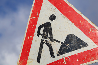 Foto zu Meldung: Strassenplombe vor August-Bebel-Strasse - Fahren Sie vorsichtig