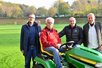 Von links: Thomas Eckhardt (Bürgermeister der Stadt Sontra), Karl-Heinz Schiffer, Unternehmer und Sponsor Klaus Kollmann und Vorsitzender Wilfried Schlund.