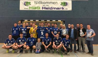 1. Herren - Trikot Sponsoren Markus Schoch, Tim Busse, Thorben Baden und Elektrotechnik Huwer