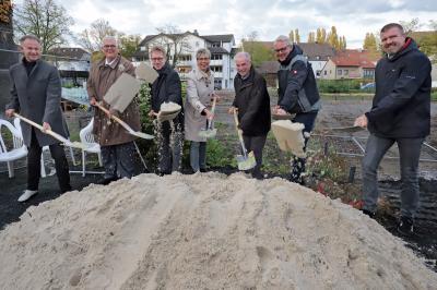 Foto zur Meldung: Spatenstich Rat- und Bürgerhaus - Festakt zum anstehenden Baubeginn