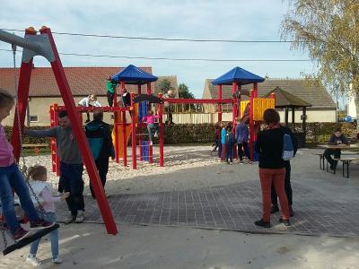 Vorschaubild zur Meldung: Spielplatz in Goßmar wurde saniert