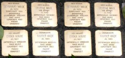 Foto zur Meldung: Stolperstein-Reinigung und Gedenken in Nauheim am 9. November