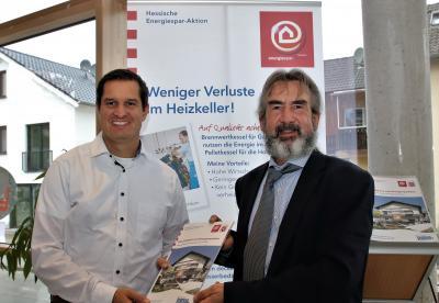 v. l.:  Bürgermeister Jan Fischer und Klaus Fey (HESA) (v.l.) anlässlich Aktualisierung HESA-Dauerausstellung © Klaus Fey/HESA