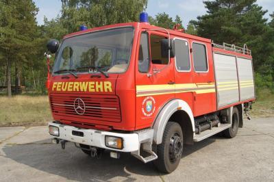 Foto zur Meldung: Feuerwehrfahrzeug für 5.655 Euro versteigert