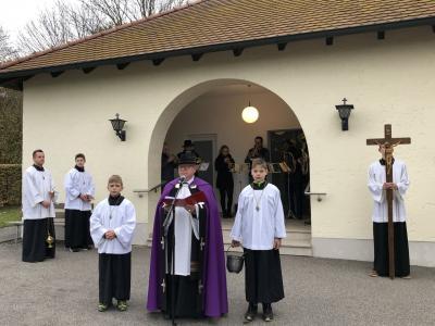 Foto zur Meldung: Allerheiligen und Allerseelen in der Pfarrgemeinde gefeiert