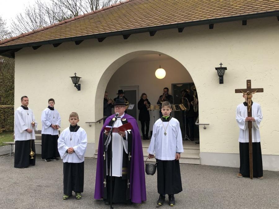 Bild der Meldung: Allerheiligen und Allerseelen in der Pfarrgemeinde gefeiert