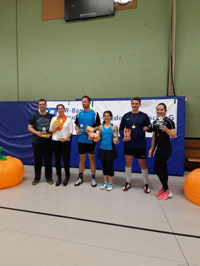"""Bild der Meldung: Badminton Stadtmeisterschaften als """"Flecker Kürbis Cup"""" bekannt und beliebt"""
