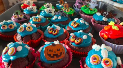 Leckere Halloween-Cupcakes