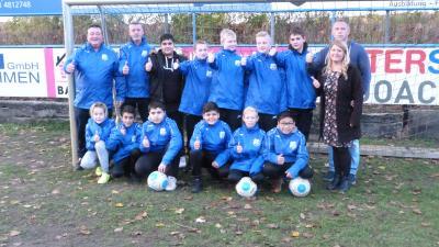 Foto zur Meldung: U13: D1-Jugend - Neue Regenjacken