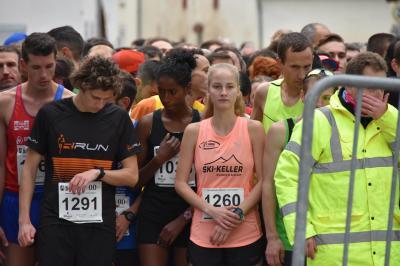 Foto zur Meldung: Sonja Vernikov läuft neuen Vereinsrekord beim DeuLux-Lauf