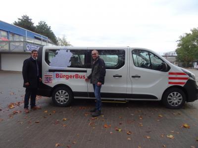 Foto zur Meldung: Die erste Bürgerbus-Fahrt geht zum Nauheimer Weihnachtsmarkt