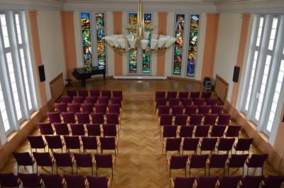 Unser Bild zeigt den Falkenseer Rathaussitzungssaal, in dem die traditionellen Weihnachtskonzerte stattfinden.