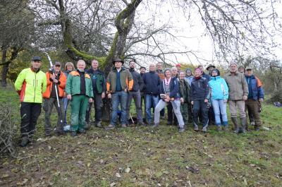 Vorschaubild zur Meldung: Einjährigen Obstbaumschnittkurs mit Erfolg abgeschlossen