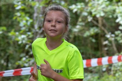 Foto zur Meldung: Laager Mädchen überraschen in Rostock beim Herbstlauf