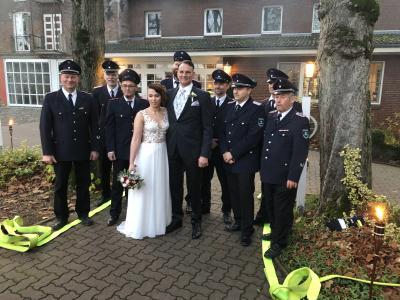 Foto zur Meldung: Unser Kamerad André heiratet seine Sandra