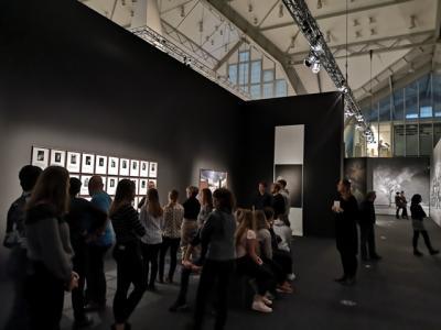 Foto zur Meldung: KUNSTPAUSE in Hamburg – Tagesexkursion der 12. Klassen