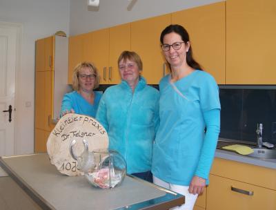 Vorschaubild zur Meldung: 10 Jahre Kleintierpraxis Dr. Christine Felgner - Spendenaktion für den Tierpark