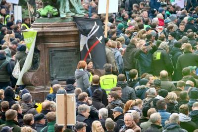 Foto zur Meldung: Kooperation statt Verbote - Demo in Hamburg