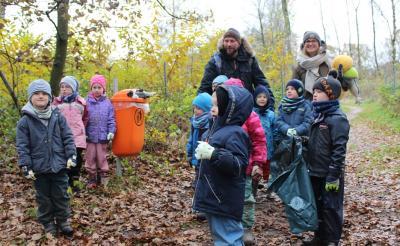 Foto zur Meldung: Kleine Klimaschützer sammeln Müll