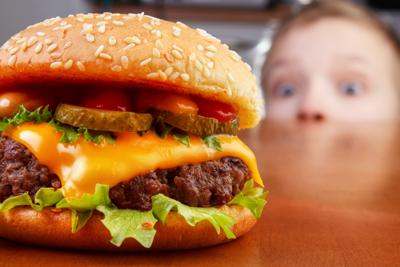 Bild der Meldung: DANK-Gruppe: Studie zeigt Verdopplung des Fast-Food-Konsums bei Kindern