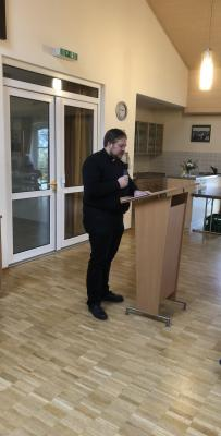 Referent des Tages - Pfarrer Francesco Benini aus Wassertrüdingen