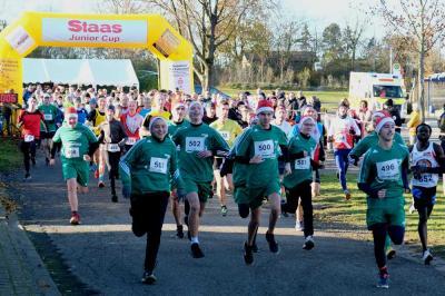 Start der 6 km und 10 km Läuferinnen und Läufer.