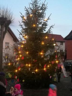 Vorschaubild zur Meldung: Weihnachtsbaumschmücken Anger Frankershausen