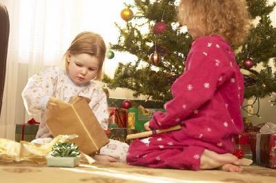 Vorschaubild zur Meldung: Das Christkind kommt zu den Kindern