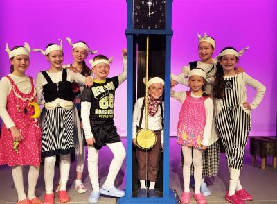 Foto zur Meldung: Weihnachtszeit ist Märchenzeit im Holzhaustheater Zielitz