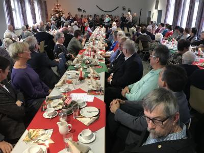 Vorschaubild zur Meldung: Vorweihnachtliche Senioren-Feier für Leisenwald, Waldensberg und Wittgenborn Erwin Kaufmann (94 Jahre) war das Highlight der Veranstaltung